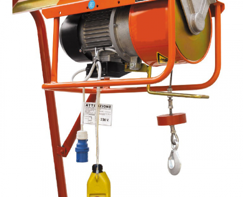 ELECTRIC AND DIESEL HOISTS